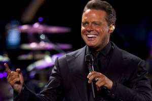 Termina la exitosa serie de Luis Miguel que revive popularidad del cantante. Foto: AFP