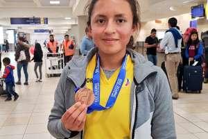Glenda Morejón consiguió una presea de bronce en la prueba 10.000 metros femeninos. Foto: @DeporteEc