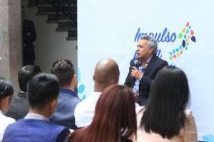 ECUADOR.- En evento con jóvenes, el mandatario incentiva al emprendimiento a falta de trabajo fijo. Foto: API