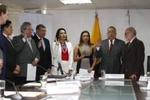 QUITO, Ecuador.- El Consejo de Participación transitorio posesionó al CNE encargado para los próximos 60 días. Foto: API