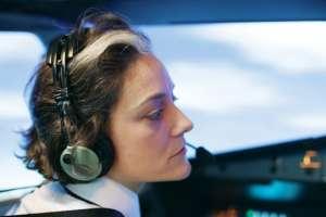 Algunas aerolíneas quieren promover el ingreso de las mujeres al mundo de la aviación.