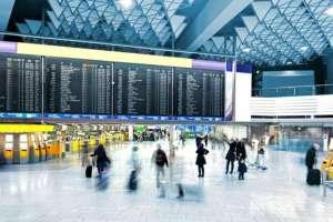 Los aeropuertos son una vía de entrada y salida de numerosos virus.