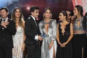 El elenco de la telenovela subió a recibir el premio como la mejor del año