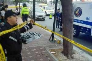El chofer causante del accidente se dio a la fuga. Foto: Twitter