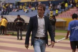 Almada reconoció que Barcelona tuvo mayor efectividad en el segundo tiempo del partido contra Delfín. Foto: API (referencial)