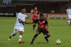 CUENCA, Ecuador.- El partido disputado en el estadio Alejandro Serrano Aguilar terminó igualado a cero. Foto: API