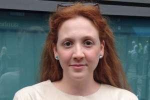 Isley Lynn es una dramaturga británica de 30 años que padece de vaginismo.