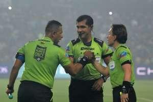 La Federación Ecuatoriana de Fútbol (FEF) anunció designación de árbitros para fecha 14. Foto: Tomada de ecuafutbol.org