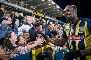 El pasado 31 de agosto Bolt jugó pocos minutos contra un equipo de aficionados. Foto: @CCMariners