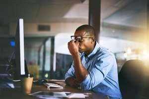 Está comprobado científicamente que trabajar horas extra reduce nuestra productividad y nos hace sentir y estar menos saludables