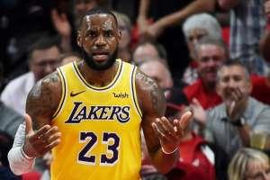 PORTLAND, EE.UU.- Este partido fue el debut del astro del baloncesto con los Lakers. Foto: AFP
