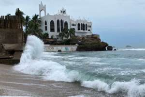 "El Centro Nacional de Huracanas de EE.UU. denominó a Willa como un huracán ""extremadamente peligroso""."