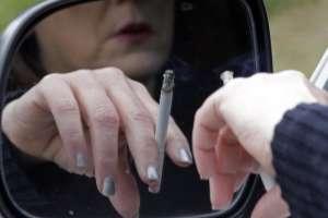 Mujer muere de cáncer tras recibir trasplante de pulmones de fumadora. Foto: AP