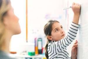 Los mejores tutores privados pueden cobrar grandes honorarios por preparar a los hijos de los ricos para sus exámenes.
