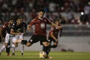 Gaibor anotó un gol (penal) en este partido. Foto: Independiente de Avellaneda