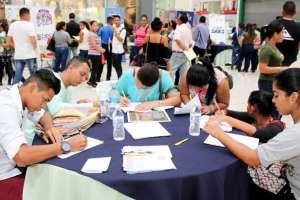 Universidad Santa María realiza feria de talento humano.