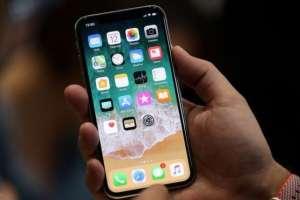 iPhone X fue un éxito de ventas pese a su alto precio: US$999.