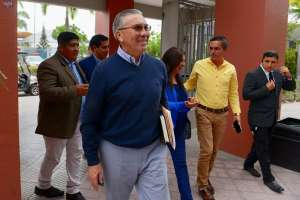 Tito Manjarrez anunció que este fin de semana ya tendrían definido el tema. Foto: API
