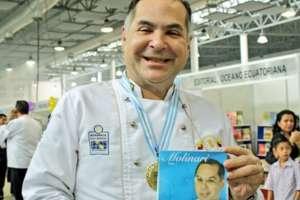 GUAYAQUIL, Ecuador.- El conductor y chef ecuatoriano realizó un cameo en la popular telenovela colombiana. Foto: Gloria Gallardo