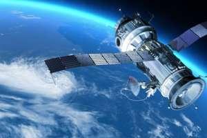 ¿Sabes cuántos satélites giran alrededor de la Tierra?