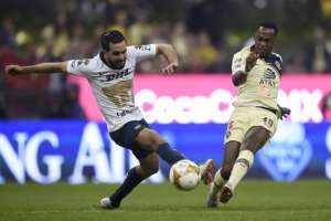 MÉXICO DF, México.- Renato Ibarra también asistió en el tercer gol. Foto: AFP