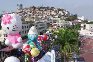 Guayaquil vivió el desfile de globos a lo neoyorquino.