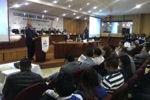 QUITO, Ecuador.- Los designados harán el conteo y llenarán las actas de escrutinio de los comicios de 2019. Foto: Twitter