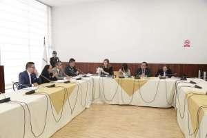 QUITO, Ecuador.- El esposo de legisladora también compareció ante comisión multipartidista que la investiga. Foto: Asamblea