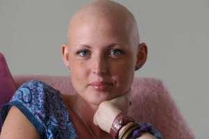 Kris Hallenga fue diagnosticada con cáncer terminal de mama a los 23 años.