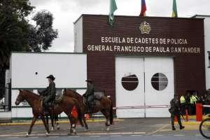 BOGOTÁ, Colombia.- La guerrilla se atribuyó la detonación de un coche bomba en una escuela policial el pasado jueves. Foto: AFP