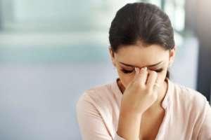 Las mujeres suelen sufrir más dolores de cabeza que los hombres. Foto: Getty Images