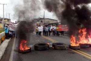 Agricultores cerraron por dos horas tramos de la vía Panamericana.