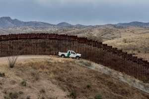 Los migrantes denunciaron que cuatro de ellos resultaron con heridas leves y golpes. Foto: AFP