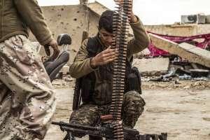 Entre las víctimas hay 112.623 civiles, incluyendo más de 21.000 niños. Foto: AFP
