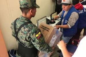 Llegada de kits electorales al CNE de Cañar. Foto: CNE