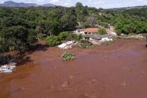 Otra presa en Brasil podría colapsar en cualquier momento. Foto: AP - Archivo
