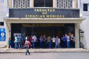 160 alumnos denunciaron falta de plazas para continuar con su carrera estudiantil. Foto: API