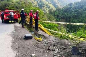 Los uniformados iniciaron las labores de búsqueda desde las 7h30.  Foto: Bomberos Quito