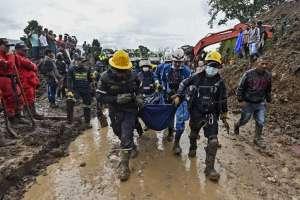 Organismos de socorro buscan a una decena de desaparecidos. Foto: AFP