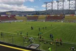 Entrenamiento de Aucas en su estadio.