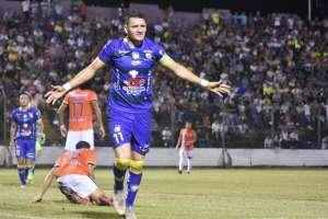 Carlos Garcés festeja su gol en Quevedo. Foto: Twitter.