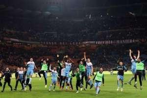 El equipo de Caicedo festeja la clasificación a la final.