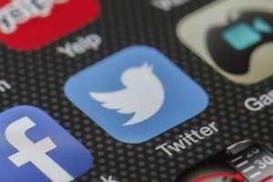"""Según la investigación, existen más mujeres """"activas"""" en la red social que hombres. Foto: Pixabay"""
