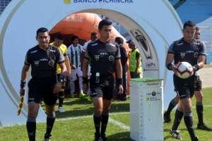 Una de las ternas arbitrales del fútbol ecuatoriano.