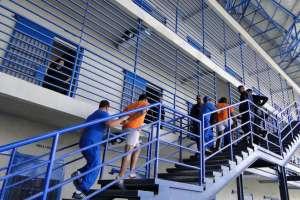 Ministro de Defensa aclaró que FFAA no puden ingresar a los reclusorios. Foto: Archivo