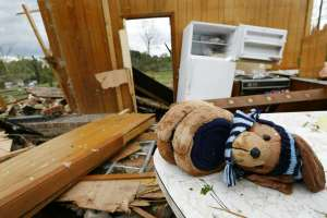 Tres muertos en Missouri, castigada por crecidas y tornados. Foto: AP