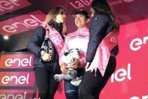 Richard Carapaz es el nuevo líder del Giro de Italia. Foto: @Movistar_Team