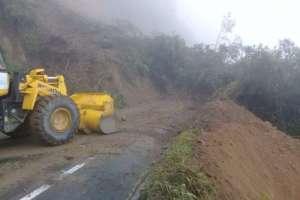 500m3 de material se retiran de la calzada. Foto: Twitter/Ministerio de Transporte y Obras Públicas