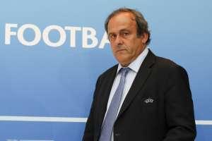 El expresidente de la FIFA aseguró que esto no ayuda al francés que está suspendido. Foto: VALERY HACHE / AFP