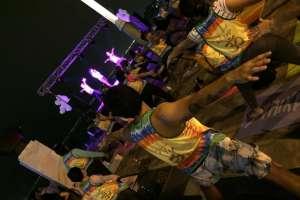 El Día Internacional del Yoga se celebró con clases gratuitas en Puerto Santa Ana. Foto: www.ecuavisa.com